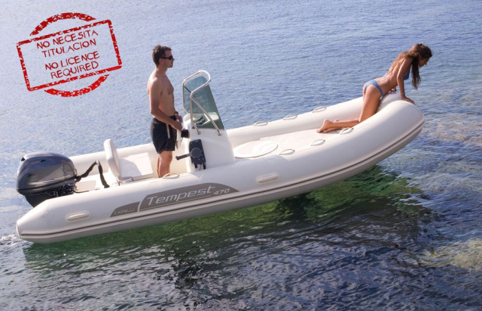 BOAT WITHOUT LICENCE / CAPELLI TEMPEST 470 15HP (6PAX)